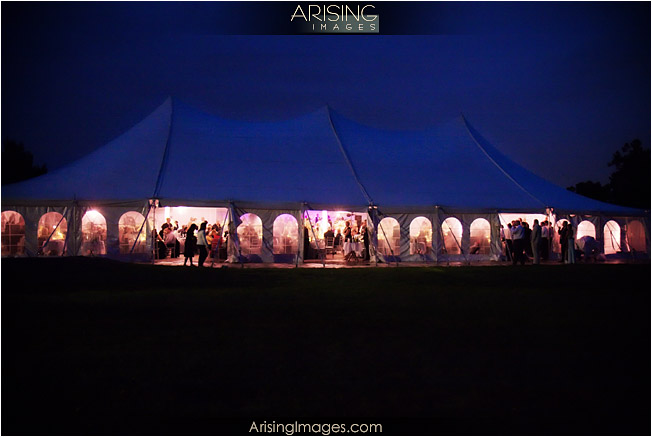 Here 39s a few photos of the what a meadowbrook tent wedding setup can look