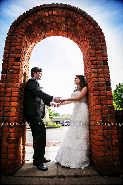 creative wedding pics in michigan
