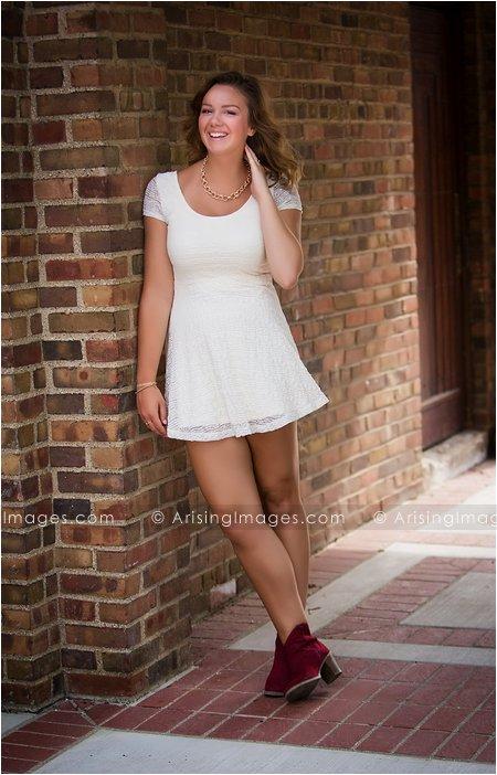 beautiful senior pictures at cranbrook