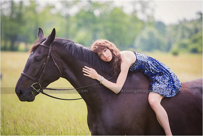 michigan senior pictures with a horse