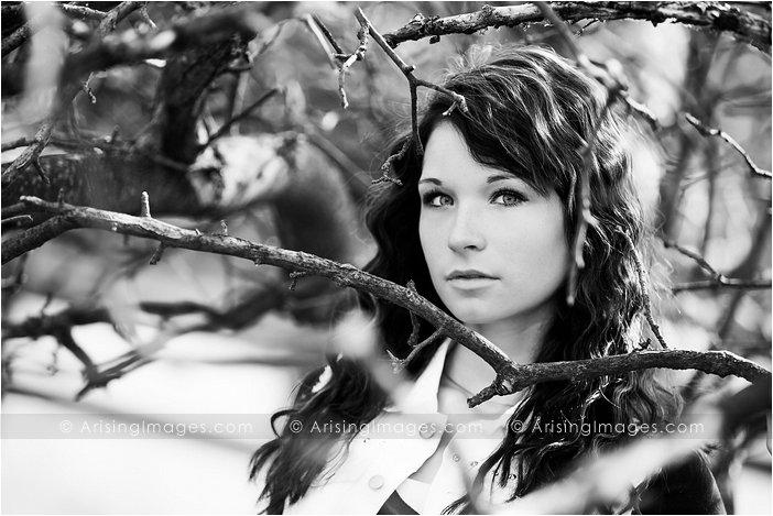 creative michigan high school senior photographer