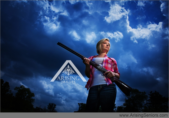michigan senior pictures with a gun
