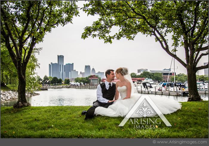 creative detroit michigan wedding photographer