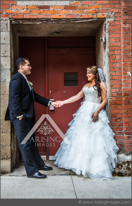 cool downtown detroit wedding pictures