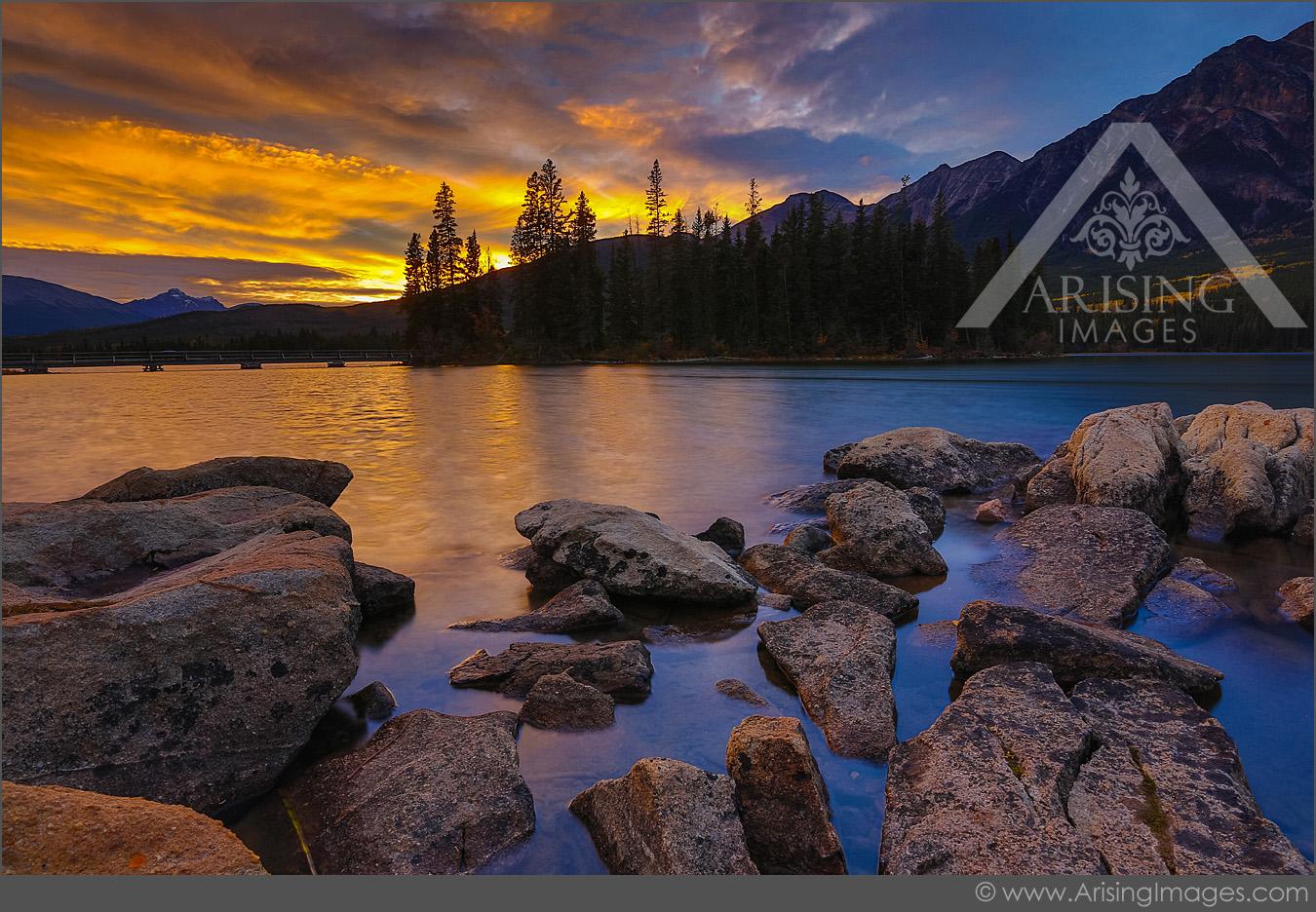Sunset Pyramid Lake, Jasper National Park