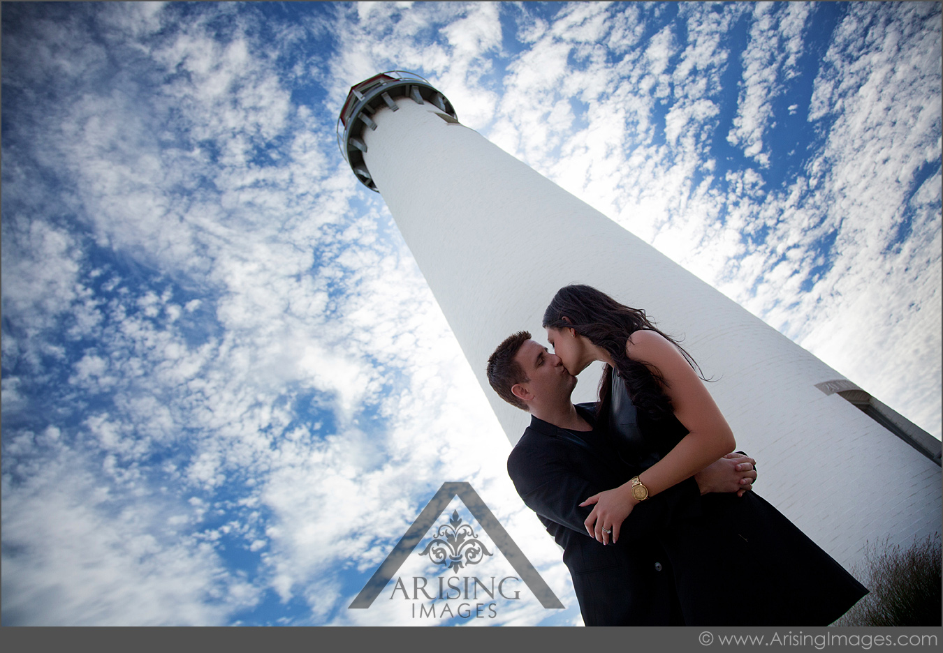 michigan engagement pictures at a lighthouse